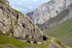 Zahnrad Mt.-Pilatus spürt Ansicht auf Stockfotos