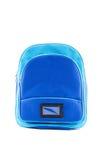 Zaino blu con i rifornimenti di scuola isolati fotografia stock