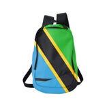 Zaino della bandiera della Tanzania isolato su bianco fotografia stock libera da diritti