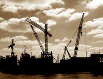 zajęty rejs dźwig & bezpiecznej przystani & specjalistycznego stoczni portu Fotografia Royalty Free