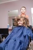 zakład fryzjerski chłopiec dziewczyna Zdjęcie Royalty Free