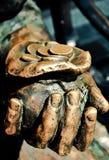 Zak en muntstukken in de mensen` s hand stock afbeelding