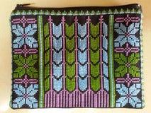 Zak met Palestijns borduurwerk - blauwgroene purp Stock Foto