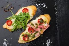 zakąski bruschetta z pomidorem i bekonem Obraz Stock