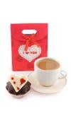 Zak voor giften met muffin en koffie stock afbeeldingen