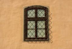 Zakazujący okno na ścianie Fotografia Stock
