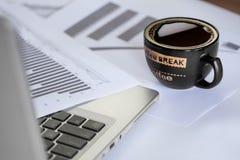 Zaken en koffie Royalty-vrije Stock Afbeeldingen