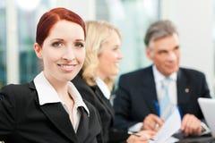 Zaken - teamvergadering in een bureau Royalty-vrije Stock Foto's