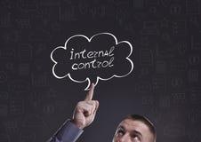 Zaken, Technologie, Internet en marketing Jonge zakenman Stock Afbeelding
