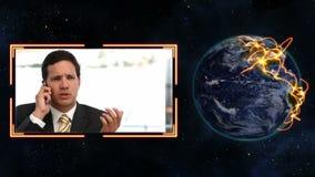Zakenlieden die op de telefoon met de hoffelijkheid van het Aardebeeld van NASA spreken org stock video