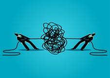 Zakenlieden die verwarde kabel of kabel proberen te ontrafelen royalty-vrije illustratie