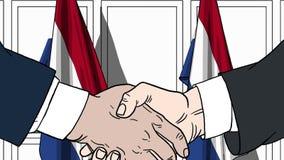 Zakenlieden of politici die handen schudden tegen vlaggen van Nederland Vergadering of samenwerking verwant beeldverhaal royalty-vrije illustratie