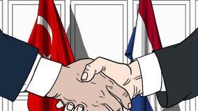 Zakenlieden of politici die handen schudden tegen vlaggen van Turkije en Nederland Vergadering of samenwerking verwant beeldverha stock illustratie