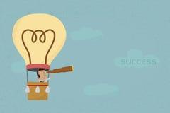 Zakenman in ballononderzoek aan succes Stock Afbeeldingen