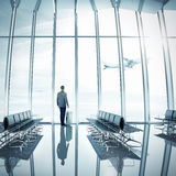 Zakenman bij luchthaven Royalty-vrije Stock Fotografie