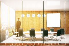 Zakenman In Conference Room Stock Foto