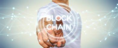 Zakenman die blockchain 3D renderi van de cryptocurrencyinterface gebruiken Royalty-vrije Stock Fotografie
