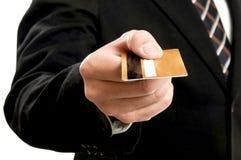 Zakenman die creditcard voor betaling gebruikt Royalty-vrije Stock Afbeeldingen