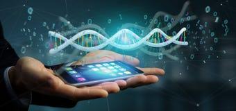 Zakenman die 3d teruggevende gegevens gecodeerd houden DNA met binair FI Stock Foto