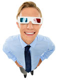 Zakenman die die 3d glazen dragen op witte achtergrond worden geïsoleerd Stock Afbeeldingen