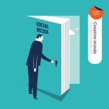 Zakenman die een boekdeur openen voor sociale media Stock Afbeeldingen