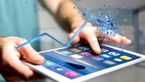 Zakenman die een smartphone met het Financiële pijl uitgaan gebruiken Royalty-vrije Stock Afbeeldingen