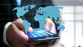 Zakenman die een smartphone met een Verbonden wereldkaart gebruiken - 3d r Stock Fotografie