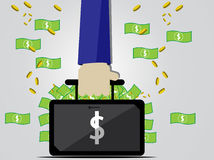 Zakenman die een zakhoogtepunt van geld houden Royalty-vrije Stock Afbeelding