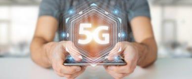 Zakenman die 5G netwerkinterface het 3D teruggeven gebruiken Stock Foto