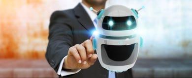Zakenman die het digitale de toepassing van de chatbotrobot 3D teruggeven gebruiken Stock Afbeeldingen