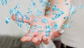 Zakenman die het vliegen de interface 3D renderi gebruiken van de netwerkverbinding Stock Fotografie