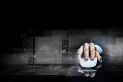 Zakenman die muis met behulp van Stock Fotografie