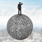Zakenman die zich op concrete bal van 3d karakters grote gegevens bevinden vector illustratie