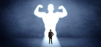 Zakenman die zich voor een sterke heldenvisie bevinden vector illustratie