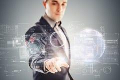 Zakenman en futuristisch virtueel technologieconcept Royalty-vrije Stock Afbeeldingen