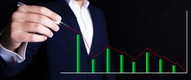 Zakenman en grafiek royalty-vrije stock afbeelding