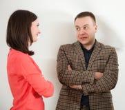 Zakenman en onderneemster het communiceren stock fotografie