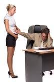 Zakenman en zwangere secretaresse stock afbeeldingen