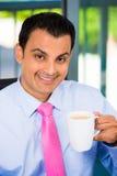 Zakenman het drinken koffie royalty-vrije stock fotografie