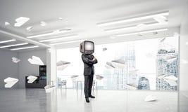 Zakenman met een oude TV in plaats van hoofd Royalty-vrije Stock Fotografie