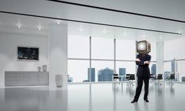 Zakenman met een oude TV in plaats van hoofd Stock Fotografie