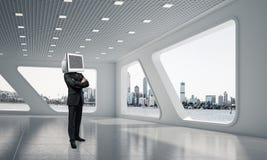 Zakenman met monitor in plaats van hoofd Stock Afbeeldingen
