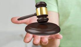 Zakenman met rechtvaardigheidshamer het 3D teruggeven Royalty-vrije Stock Afbeelding