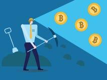 Zakenman met schop en pikhouweel die in bitcoinmijn werken Royalty-vrije Stock Foto's