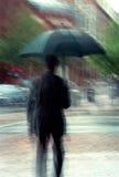 Zakenman op een Regenachtige Dag Stock Afbeeldingen