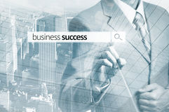 Zakenman Pressing Business Team Search Button Bedrijfs succes Royalty-vrije Stock Fotografie