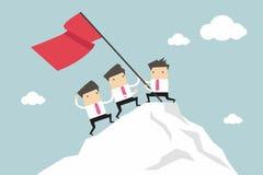Zakenman Team Climbing boven op Piek, Groepswerkconcept royalty-vrije illustratie