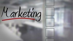 Zakenman tikkende marketing controlelijst stock video
