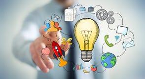 Zakenman wat betreft getrokken hand lightbulb en de pictogrammen van verschillende media Royalty-vrije Stock Afbeeldingen