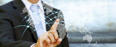 Zakenman wat betreft globale netwerk en gegevensuitwisselingen '3D ren Stock Fotografie
